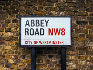 nw8 road sign
